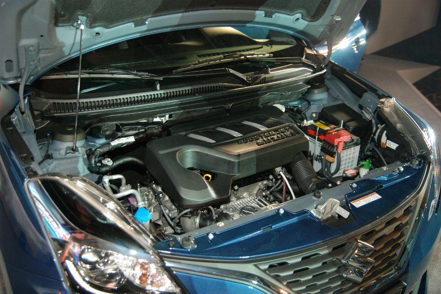 Suzuki Baleno 採用 1.0 升 BoosterJet 三缸渦輪直噴引擎,搭配 6 速手自排變速箱後,最大馬力為 111 匹/16.3 公斤米,並具有每公升 18.2 公里的油耗表現。 記者林鼎智/攝影