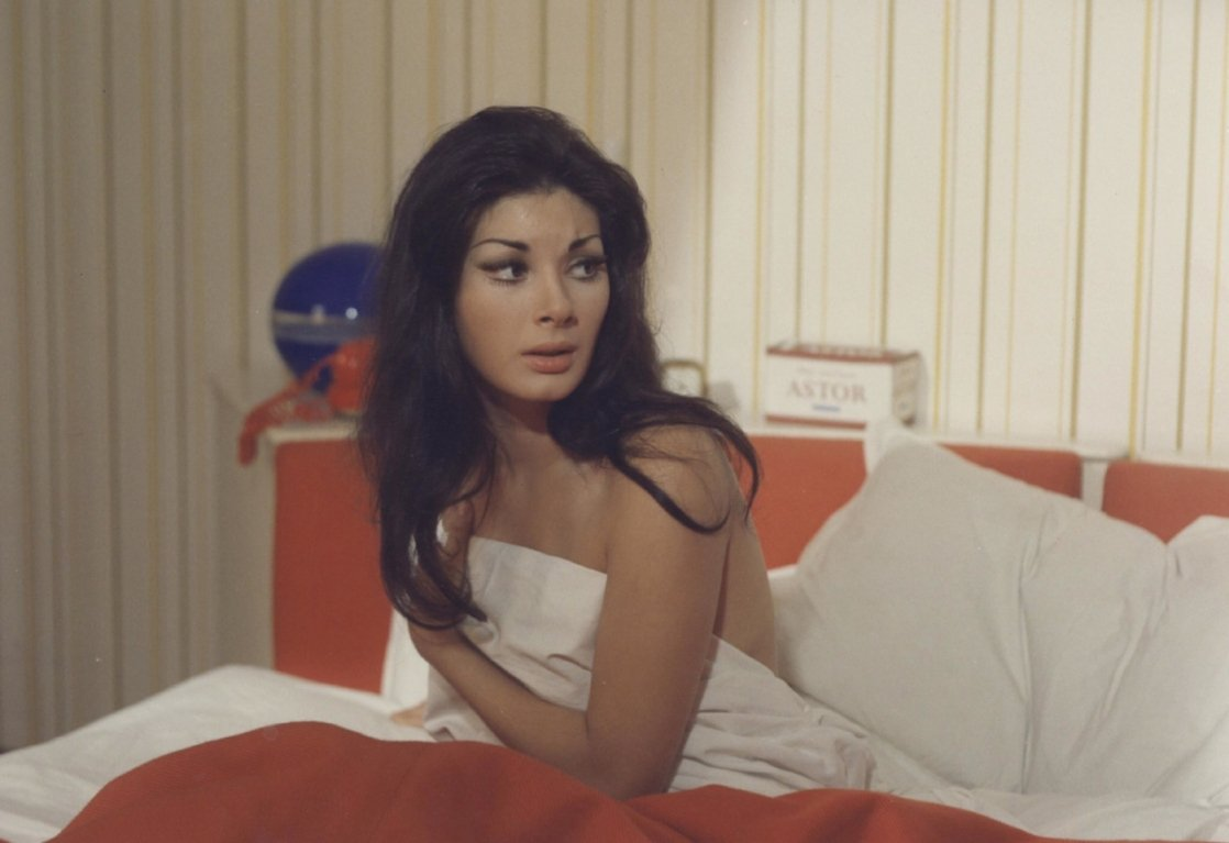 愛雲芬芝美艷性感,因「別怕!茱莉」在台成名。圖/摘自FilmTvListal