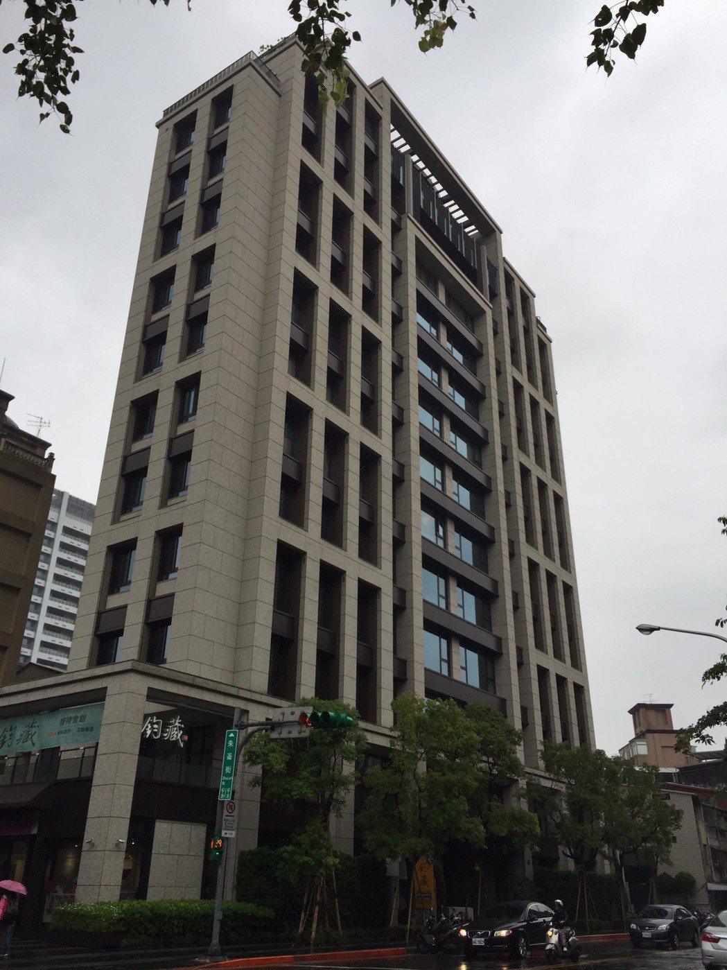 實價揭露,朱崙街豪宅「鈞藏」再成交兩戶。圖/台灣房屋提供