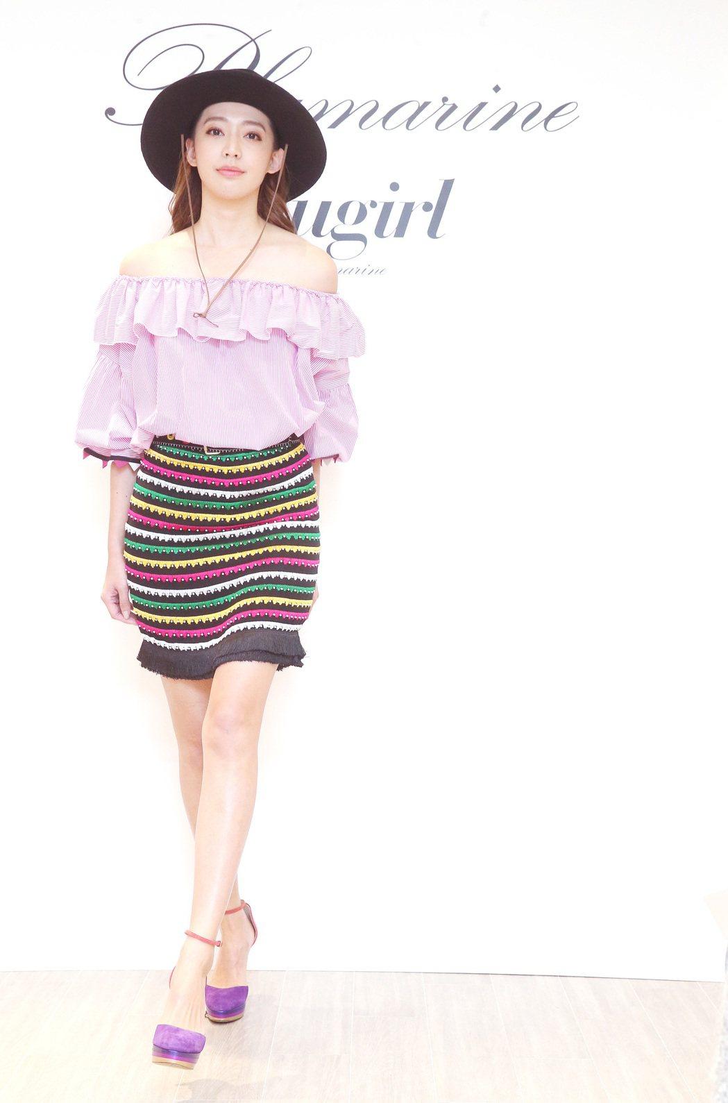 服裝品牌Blumarine今天舉行春夏發表,並邀請王心恬等名模走秀。記者胡經周/...
