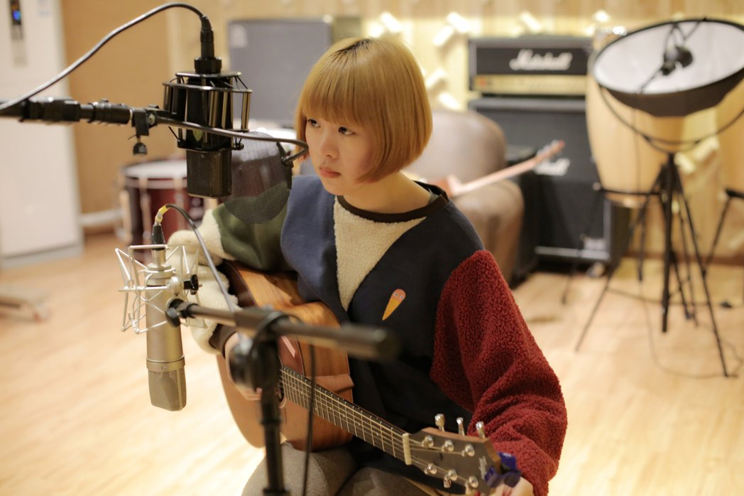 大陸創作女聲徐菲,將來台推出新專輯「我只是過得自由」。圖/上行娛樂提供