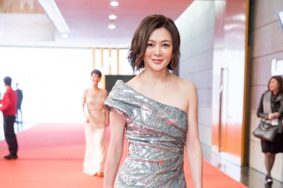 關之琳與劉嘉玲不來往兩年。圖/摘自微博