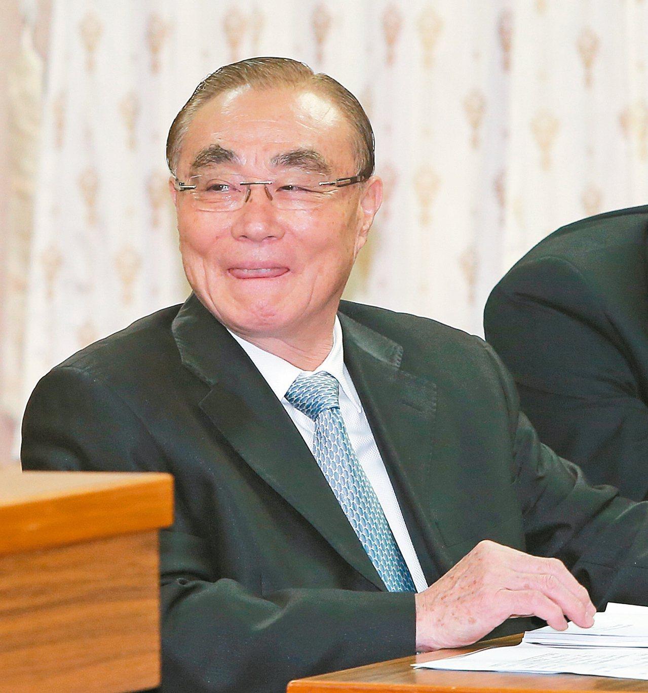 國防部長馮世寬昨天表示,力爭明年國防預算接近GDP的百分之三。 記者程宜華/攝影
