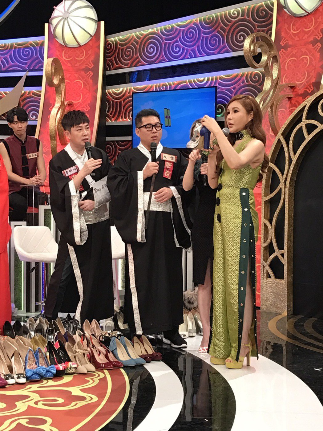 利菁昨天在錄影現場談高跟鞋主題。記者葉君遠/攝影