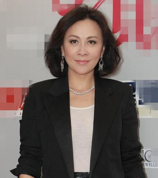 劉嘉玲認為,張曼玉被指落寞只是外界的看法,也許她內心是自在的。圖/取自新浪娛樂