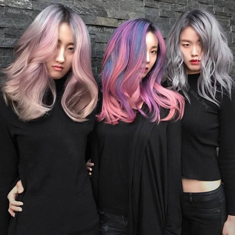 粉質感的乾燥玫瑰色、微亮光澤的玫瑰金、個性魅力的迷霧紫、夢幻的煙熏灰,都是今年當...
