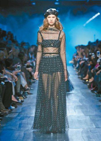 Dior在前任Valentino設計雙人組之一的Maria Grazia Chi...