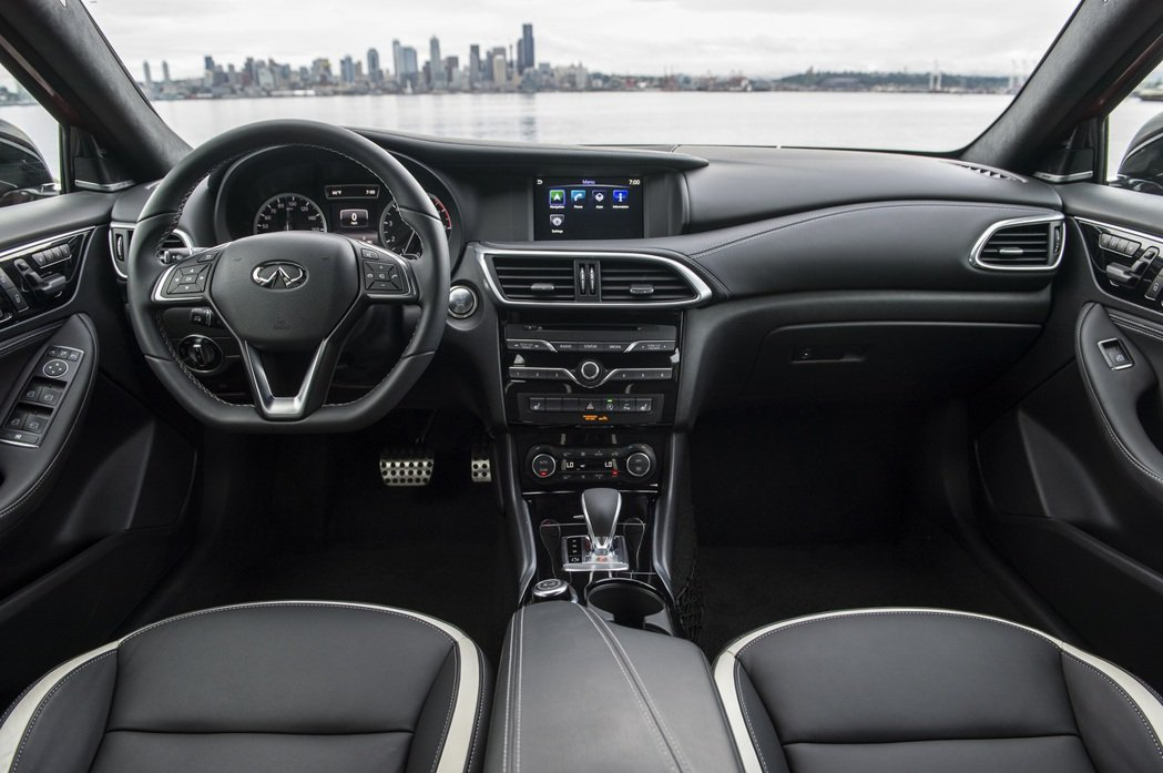 2017年式 INFINITI Q30,配備再升級,新增Push Start按鈕式啟動系統,增加行車便利性與安全性,豪華規格再進化。 圖/裕隆日產提供