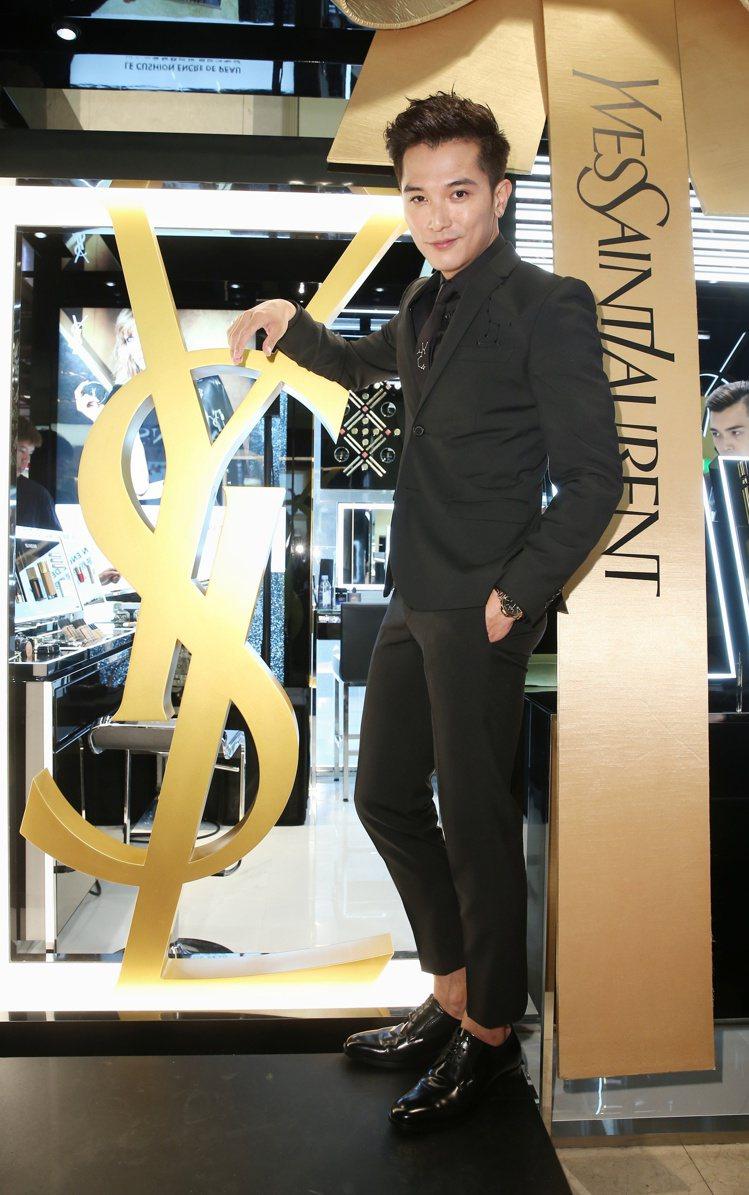 YSL美妝新光三越A8店全新開幕,邀請邱澤當一日店長。圖/記者陳立凱攝影