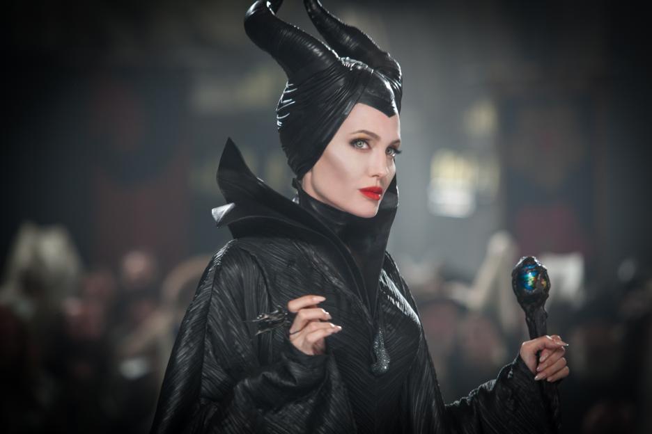 「黑魔女」安琪莉娜裘莉是極少數拿到高價的迪士尼動畫真人版演員。圖/摘自imdb
