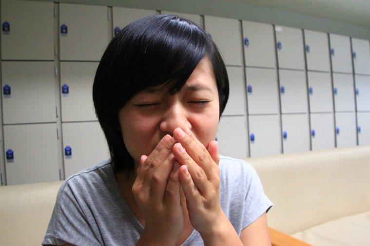 大多數人咳嗽或打噴嚏時都會用手捂著口鼻,但有中國大陸專家說,其實這並不科學,反而...