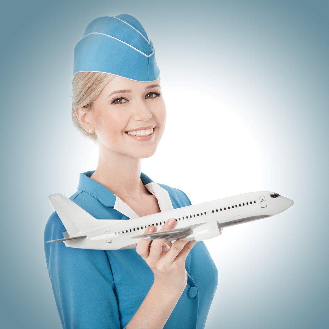 空服員作息不正常,克服時差、睡眠品質不好等狀況是這行業最大的「致命傷」,建議新鮮...
