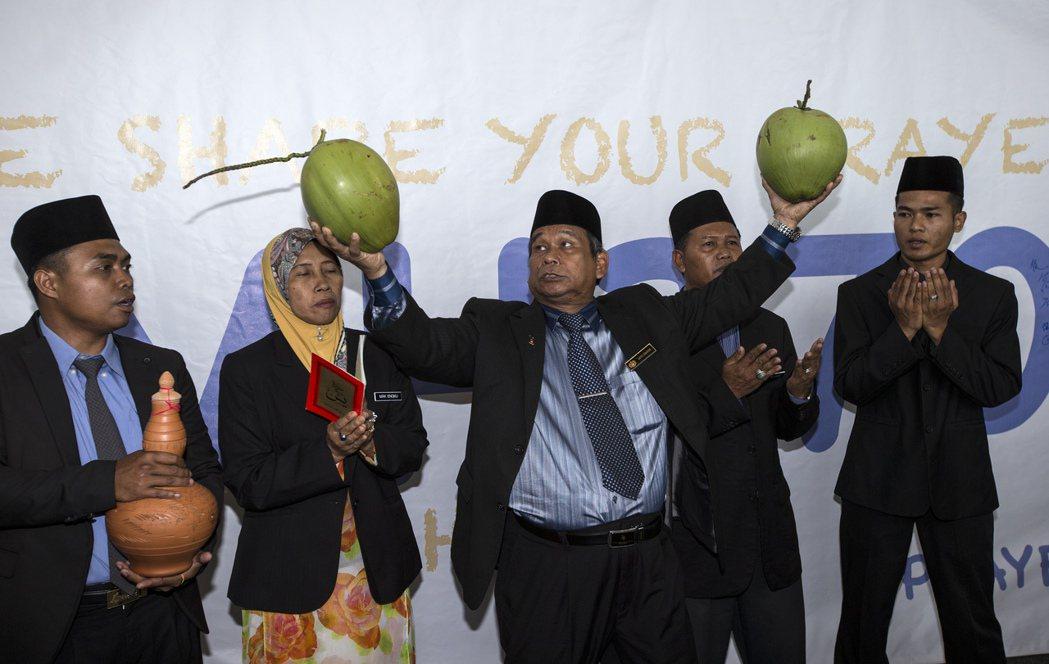 大馬「巫師王」依布拉欣馬金曾在馬來西亞航空公司MH370失蹤期間,在吉隆坡國際機...