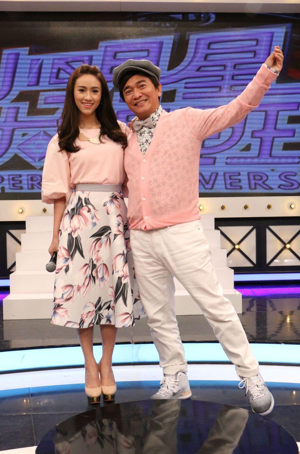 吳宗憲(右)透露也買過紅鞋給女藝人。圖/中天提供