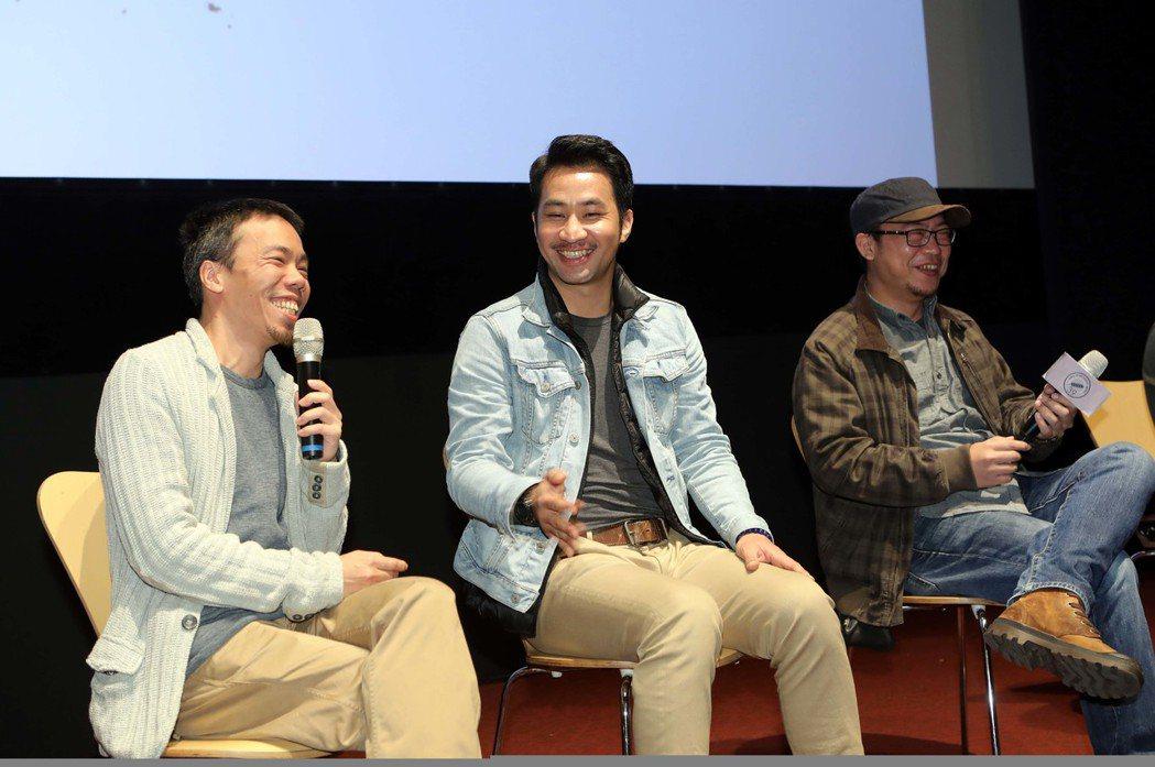 「麻醉風暴2」導演蕭力修(左起)、演員黃健瑋、導演洪伯豪出席影迷粉絲會,分享赴約...