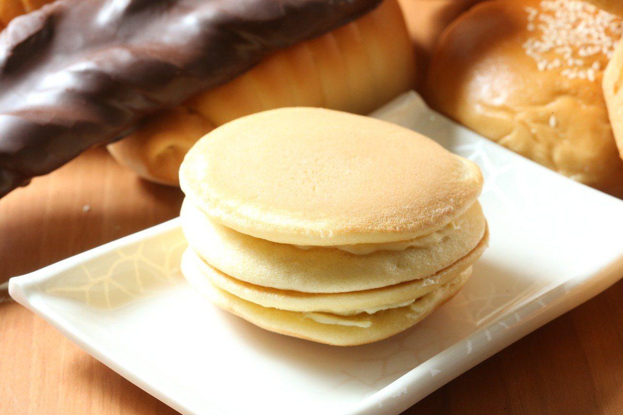 全家經典楓糖鬆餅,口感Q軟。記者陳立凱/攝影