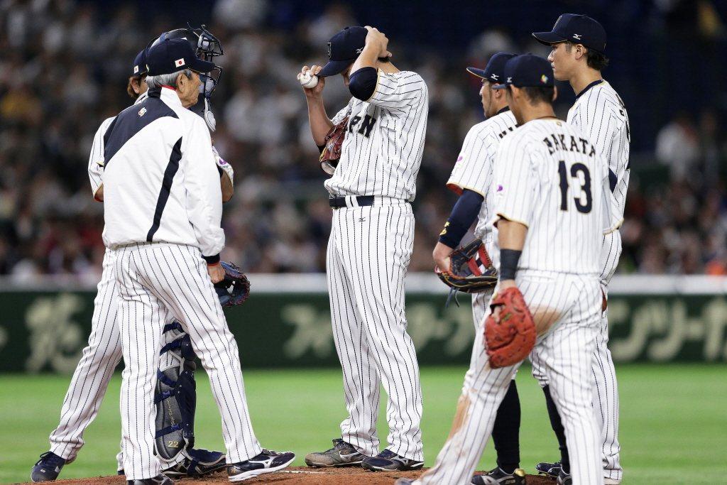 「日本都喜歡贏這種艱苦勝,7局後開始拚意志力,也就是『底力』。」 圖/歐新社