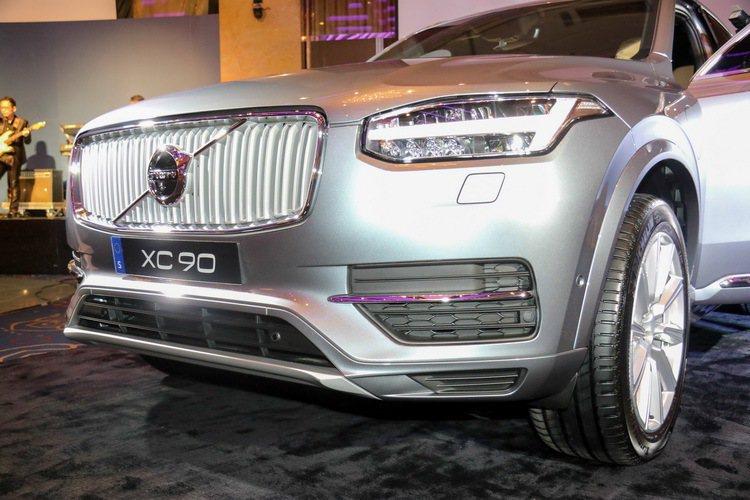 Volvo XC90 T8 Inscription兼具性能、節能與尊榮感受。 記者史榮恩/攝影