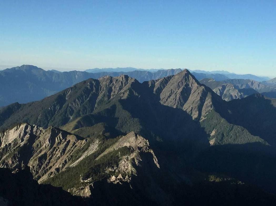 南湖大山登山景點。圖/山友提供