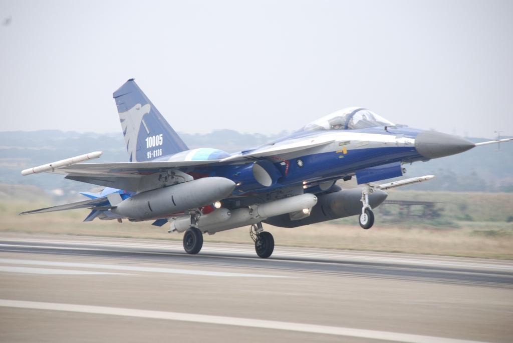 中科院航研所參與研發的雄鷹戰機原型。圖/中科院提供