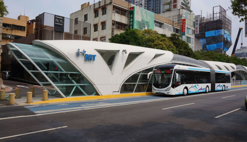 監委針對台中BRT糾正台中市政府,交通局長王義川說,尊重監委職權,不過無專用道與...