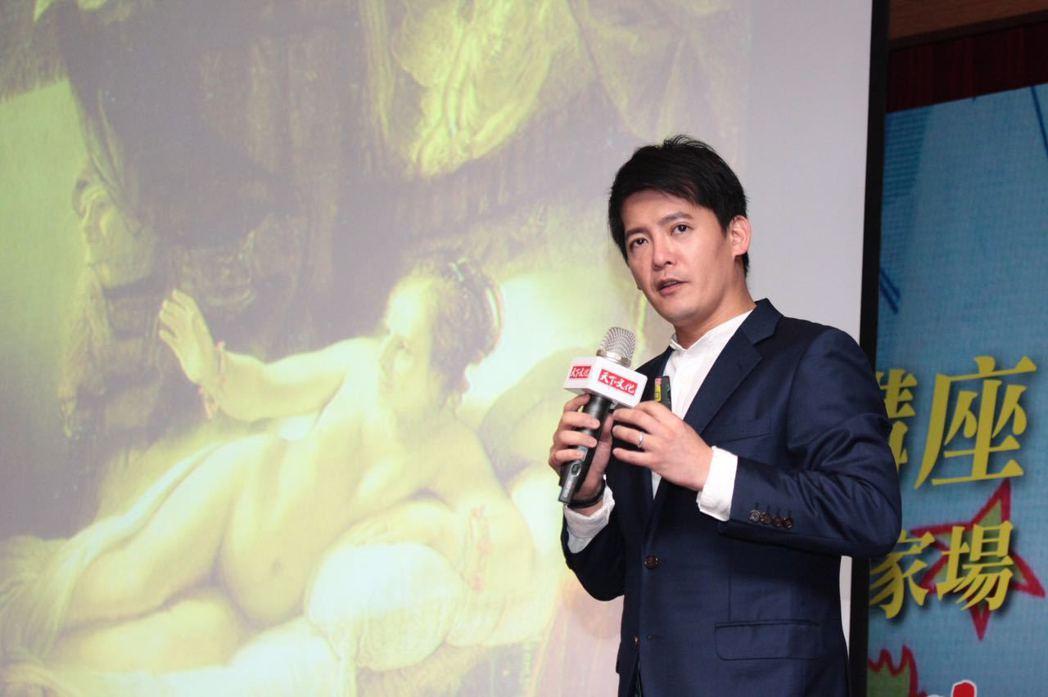 謝哲青回家鄉花蓮演講。圖/天下文化提供