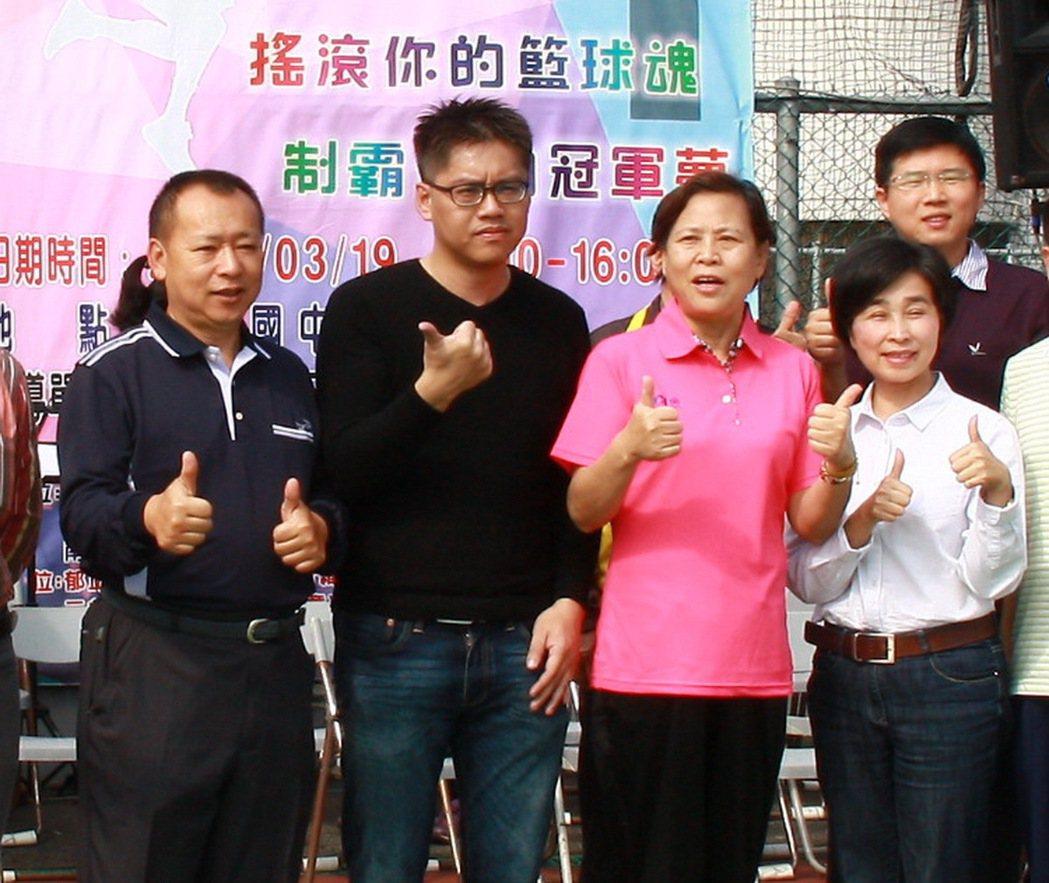 南投市長宋懷琳(右二)、市代會主席張秀枝(右一)都是女性。記者張家樂/攝影