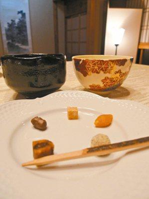 下鴨茶寮和三盆甜點、抹茶。 照片提供/曾郁雯