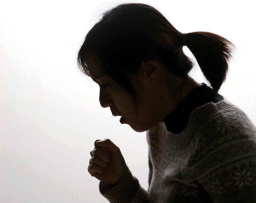 醫師表示,「咳嗽」才是氣喘最常見症狀,卻常被誤以為是小感冒而忽略。 聯合報系資料...