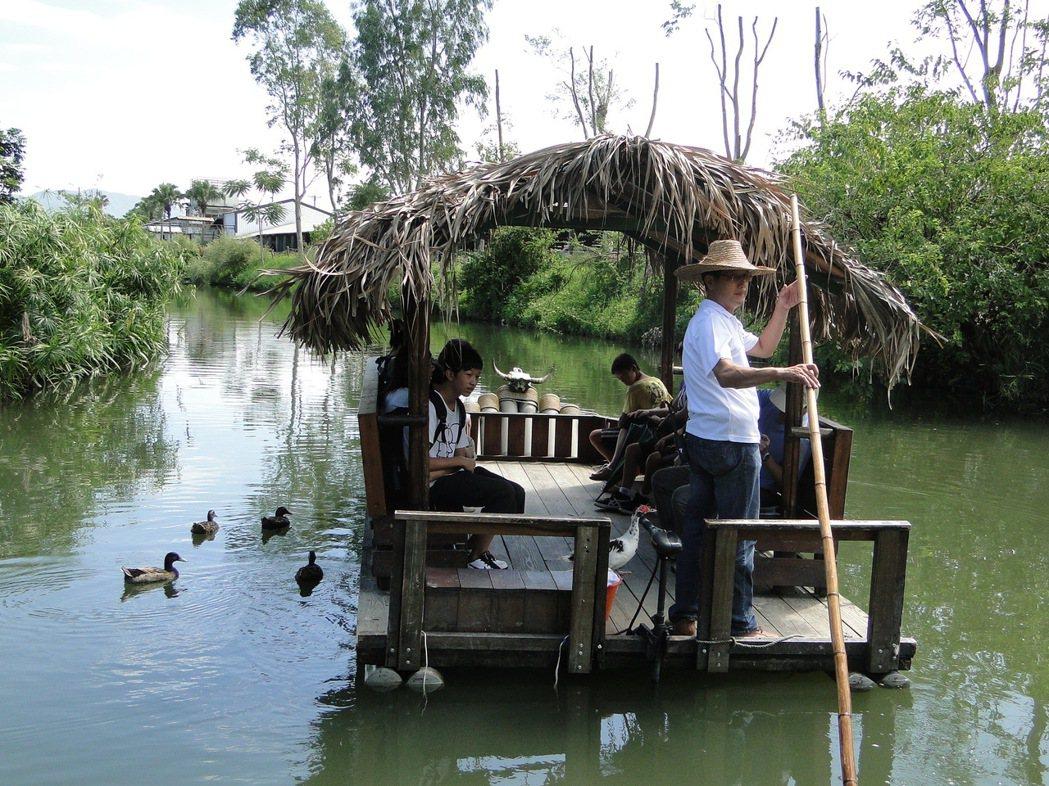 花蓮理想大地渡假村有竹筏載客賞景,悠閒之至。圖/聯合報系檔案照