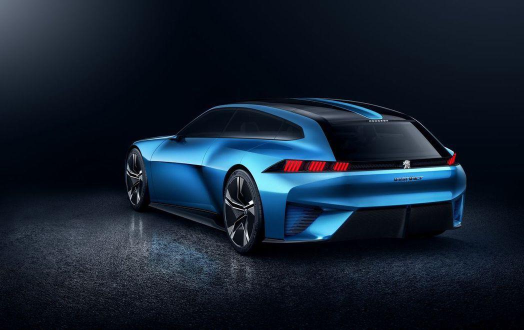 Peugeot日前在巴賽隆納MWC世界移動通訊大會上,發表名為「Instinct」的概念車款。 圖/Peugeot提供
