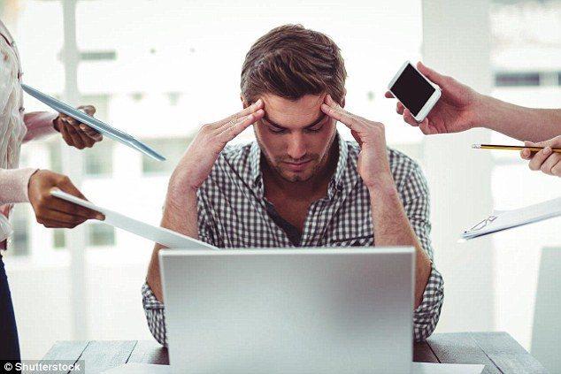 壓力大也可能導致口臭。 圖/翻攝自英國每日郵報