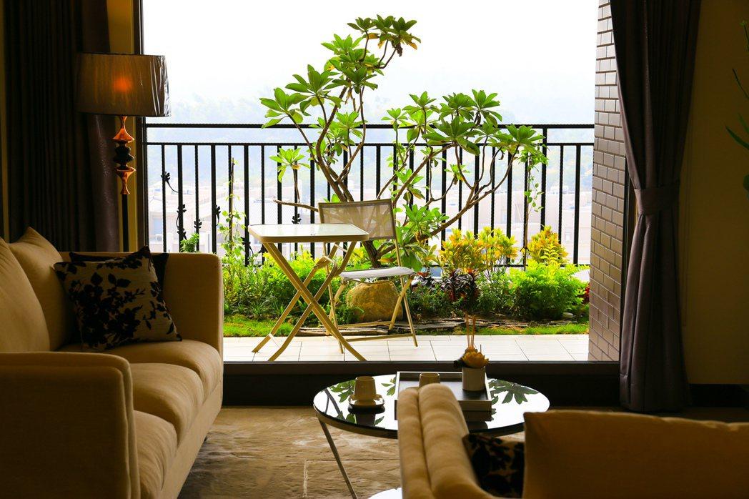 當建築是窗口而不是藩籬,自然便走入生活。 攝影/張世雅
