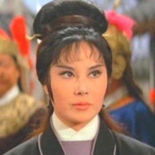 李麗華在「盜劍」中飾演女俠耿六娘。圖/摘自HKMDB