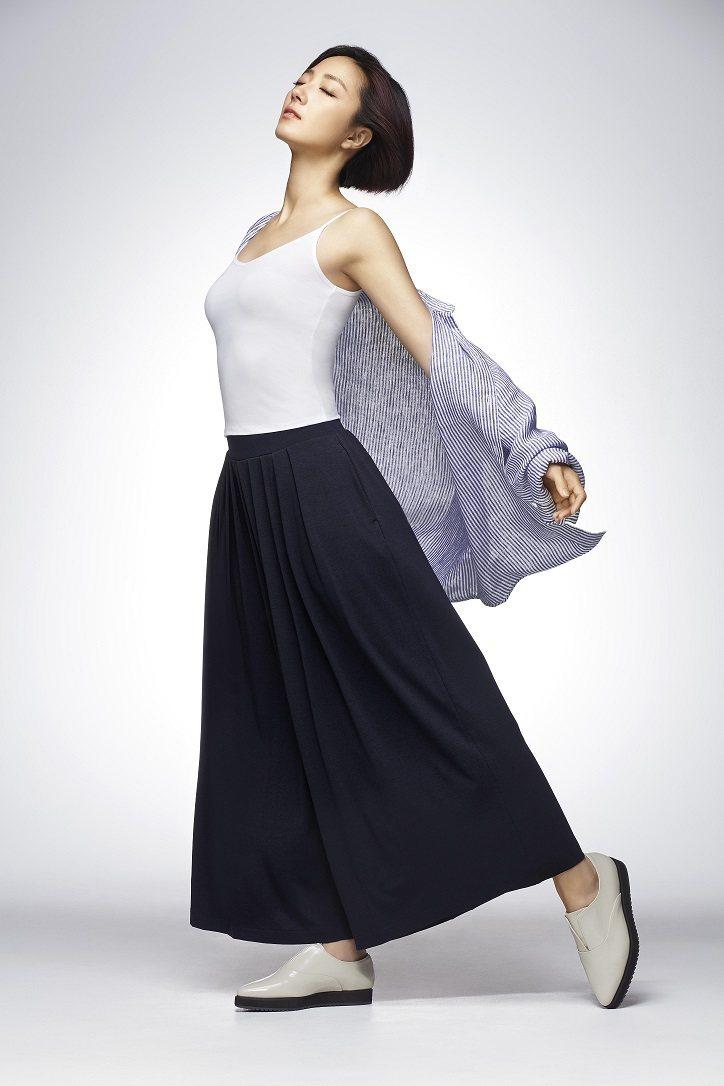 AIRism輕盈涼感衣已成為台灣消費者擺脫悶熱不適的年間必備單品,因此今年將台灣...
