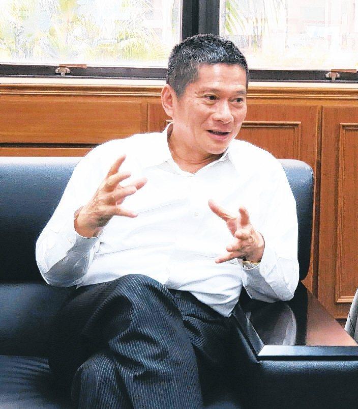客委會主委李永得因認為警察盤查於法無據不願配合,話題持續延燒。圖/資料照片