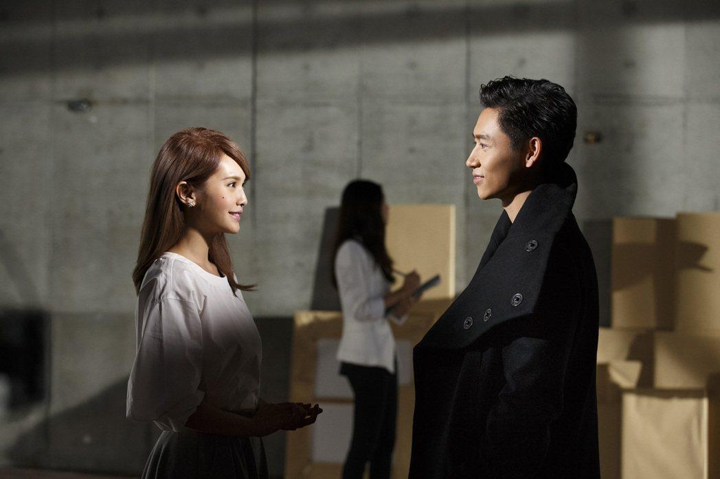 魏晨(右)與楊丞琳合作拍攝MV。圖/魏晨工作室提供