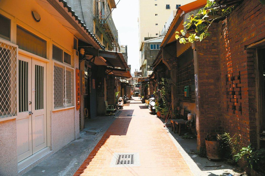 鹿港鎮杉行街保存二百年前街道特色。 圖/本報資料照片