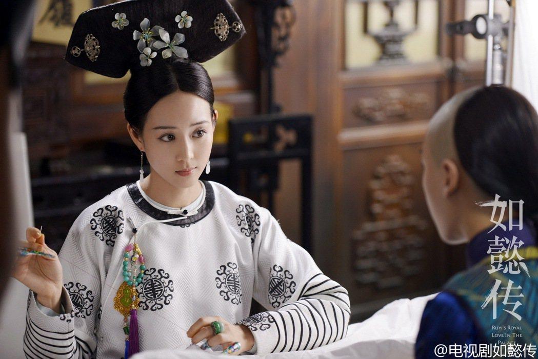 張鈞甯和霍建華一起拍攝「如懿傳」。圖/擷自電視劇如懿傳微博