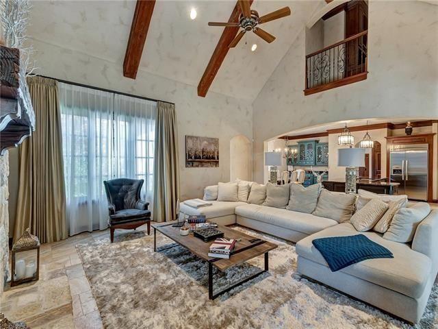 豪宅包括五間臥室和六間半浴室,及兩間主人套房。(Realtor.com)