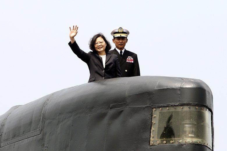 國防部發佈新一期「四年期國防總檢討」(QDR),正式提出蔡政府上任以來的新軍事戰略。然而,這個新戰略仍未解決長期以來,地面部隊在台灣防衛戰略角色模糊的問題。 圖/美聯社