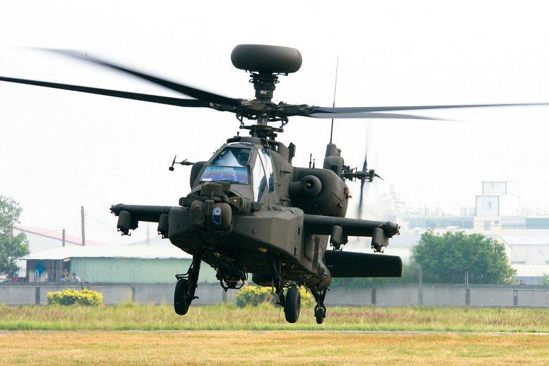 圖為AH-64E攻擊型直昇機阿帕契。 圖/本報系資料照