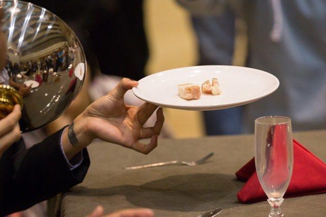 阿美族傳統食物「siraw」(醃的生豬肉) 圖/陳彥斌、Pulima藝術節提供