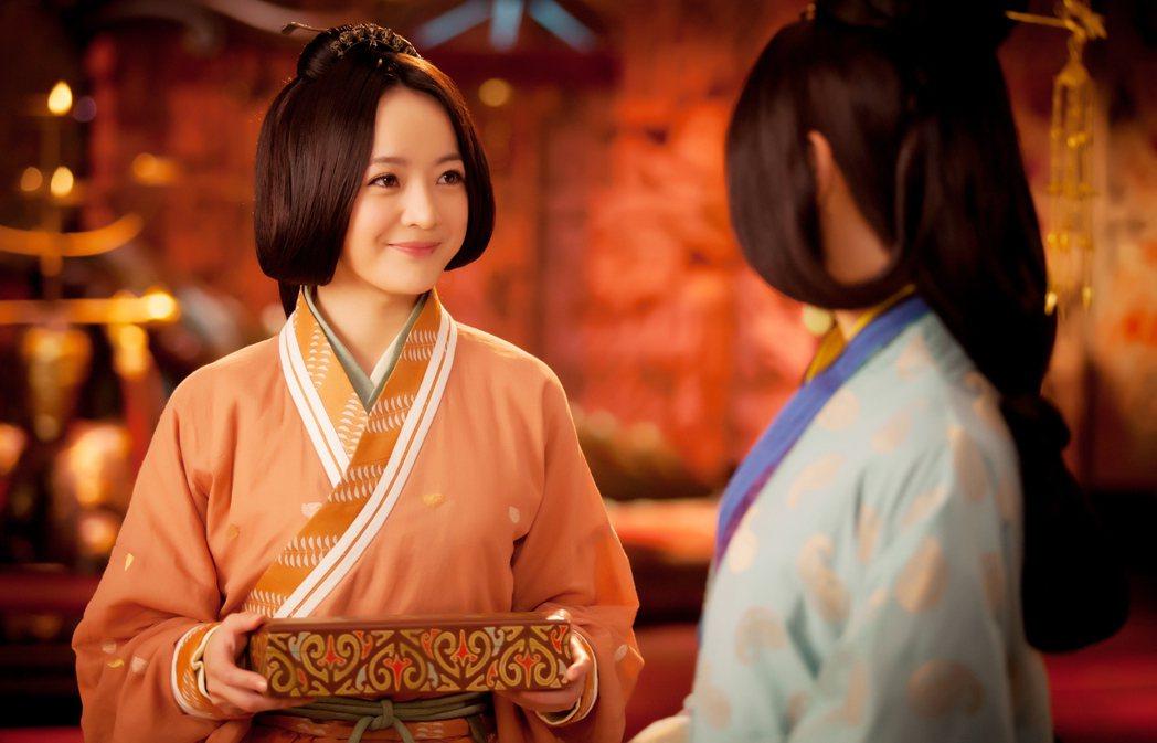 戴君竹(左)在「秀麗江山長歌行」中演出討喜。圖/中視提供