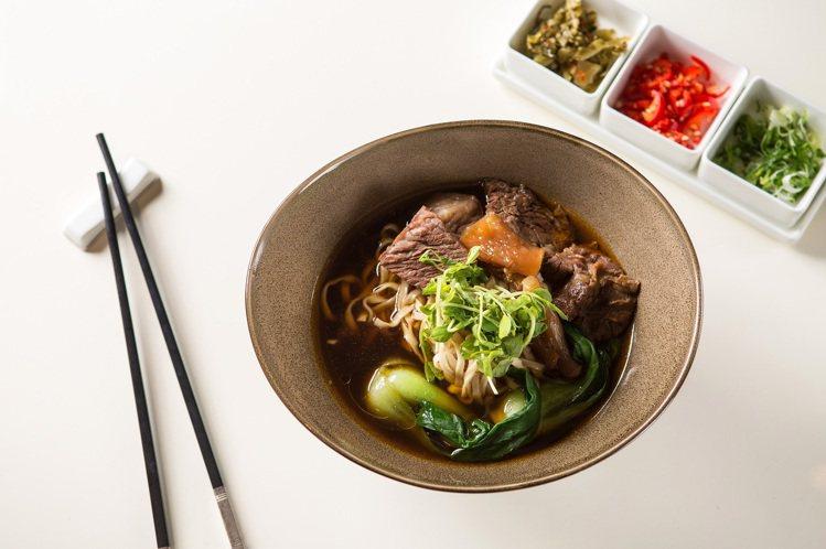 台式牛肉麵成為文華Cafe點餐率最高的料理。圖/文華東方提供