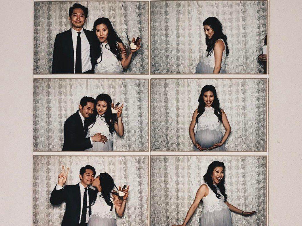 史蒂芬連之前與身懷六甲的妻子玩自拍,兩人的兒子已誕生。圖/摘自Instagram