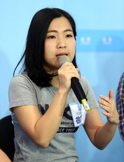 馬辦徐巧芯表示,首先,1992年11月由台灣提出,大陸「充分尊重並接受」的「九二...