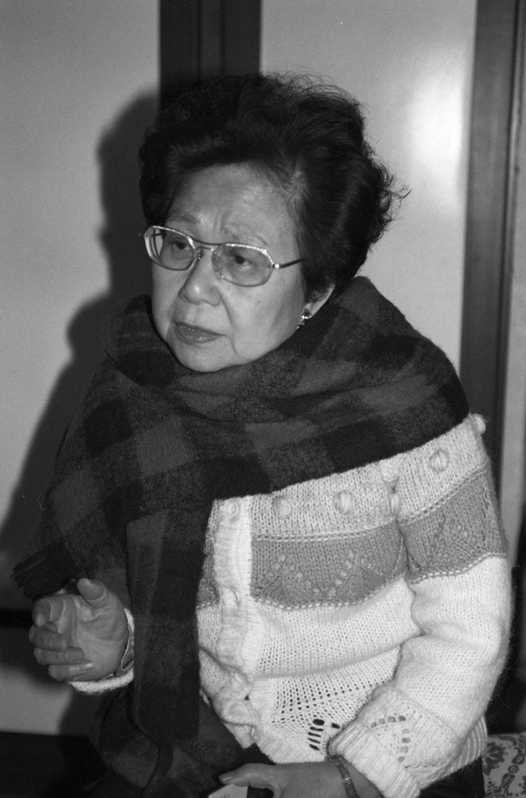 因叛亂罪服刑近10年的前廣播界名人崔小萍訪問情形。 圖/聯合報系資料照