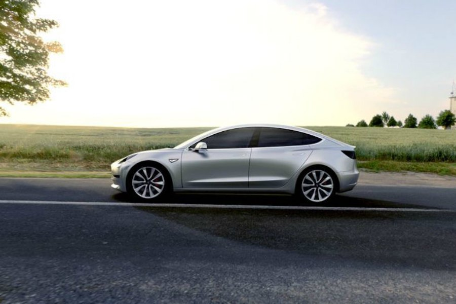 Tesla 上週宣布,已正式籌措 12 億美元(約台幣 366 億),作為 Model 3 投入市場的資金運用。 摘自 Tesla