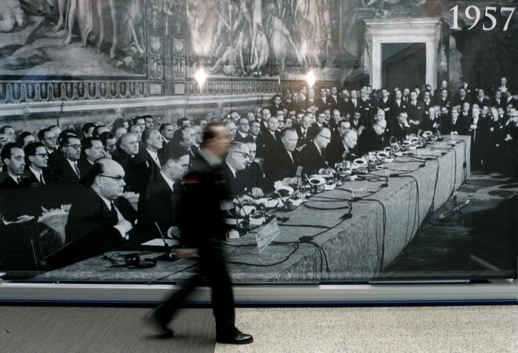 1957年3月25日,在法國、德國、義大利、荷蘭、比利時,以及盧森堡六國的見證下...